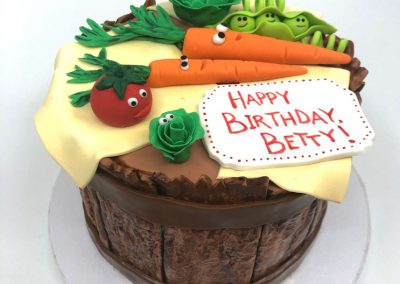 Small vegetable birthday cake